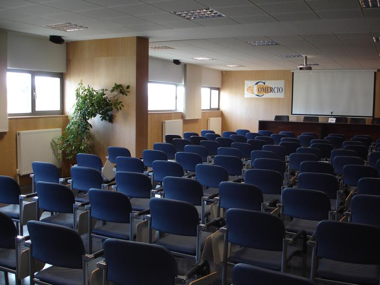 Sala_profesores_salon_de_actos02